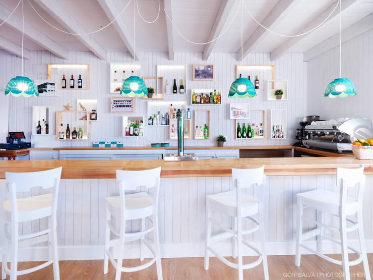 Restaurante MARISCO: Locales gastronómicos de estilo  de margarotger interiorisme