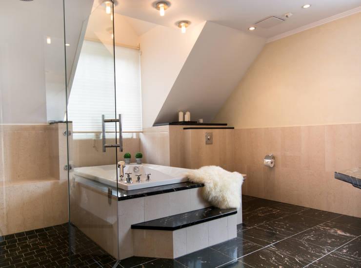 Bathroom by Luna Homestaging, Modern