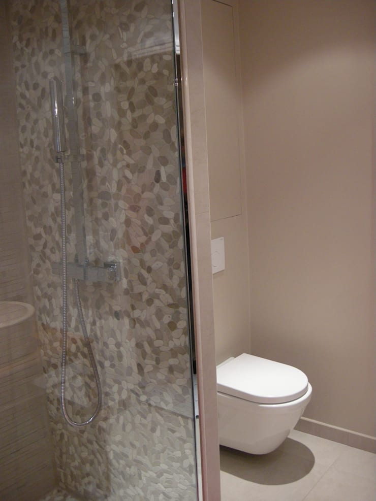 Salle de bain : Salle de bains de style  par Parisdinterieur