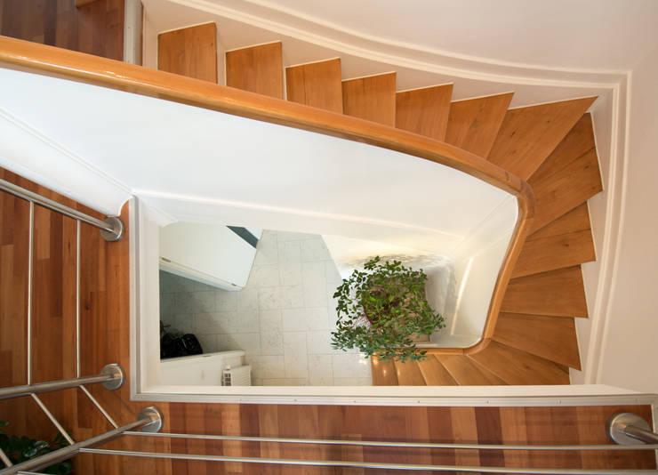 Corridor & hallway by Luna Homestaging, Modern