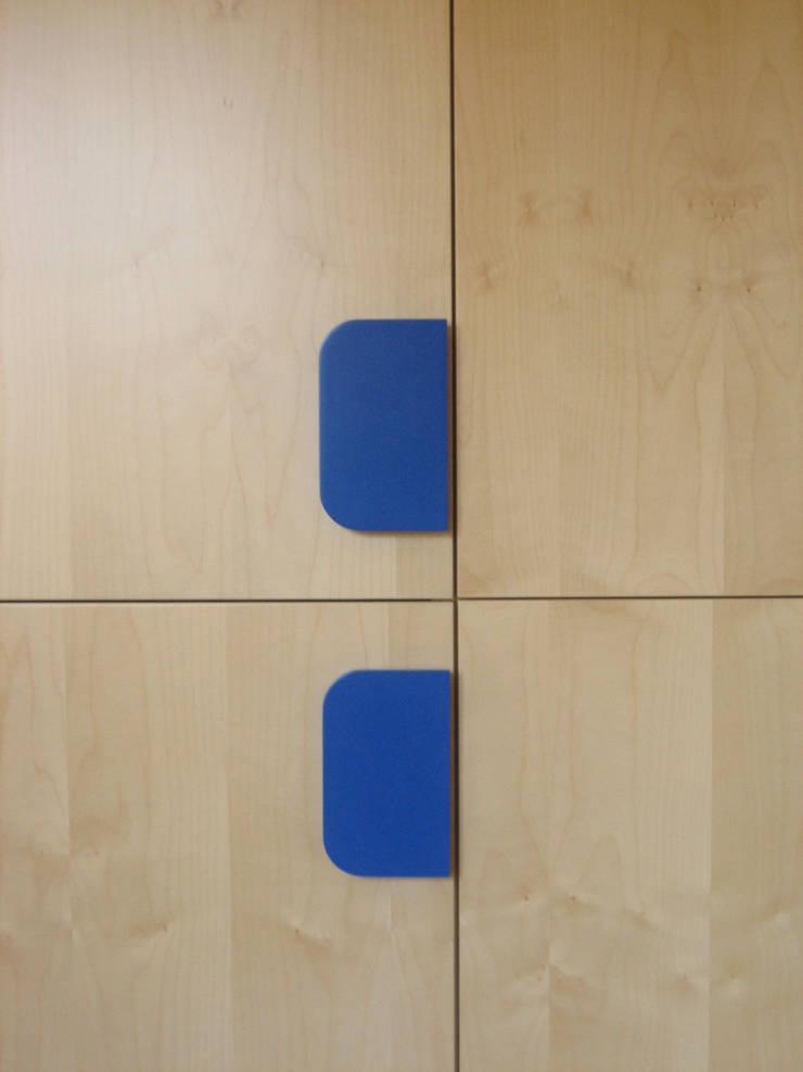 Mia: Camera da letto in stile  di Marco Braccini Architetto