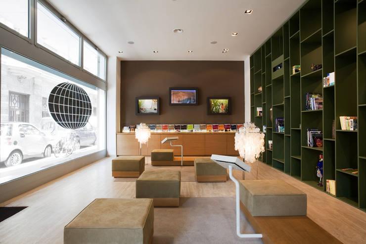 Offices & stores by Elena e Francesco Colorni Architetti,