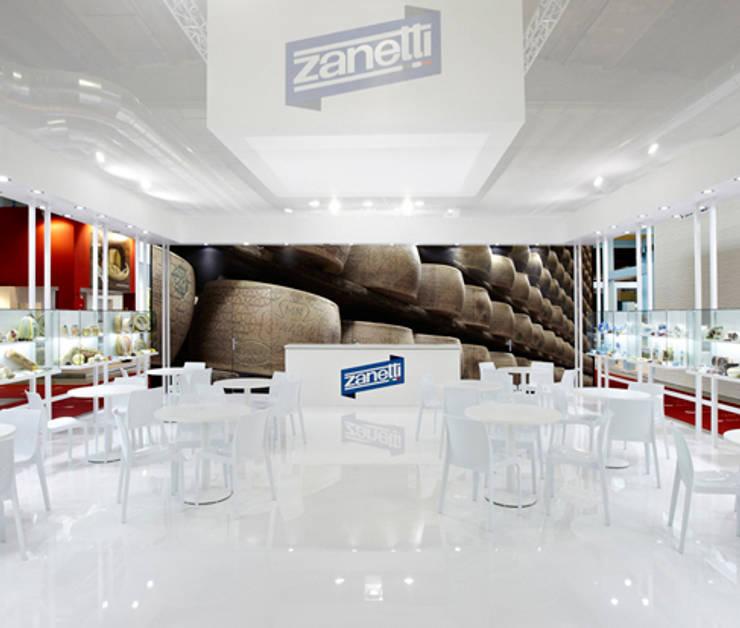 + Cibus 2012: Negozi & Locali commerciali in stile  di Elena e Francesco Colorni Architetti