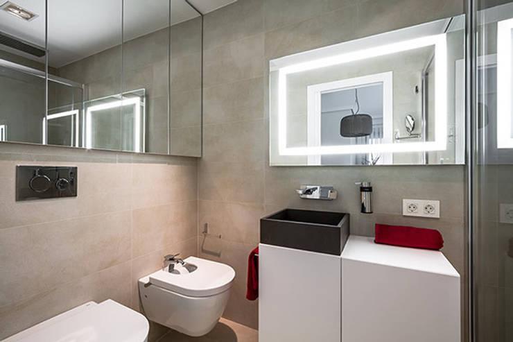Maisons de style  par Laura Yerpes Estudio de Interiorismo