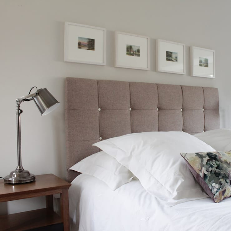The Hepworth Luxury Upholstered Bed:  Bedroom by TurnPost