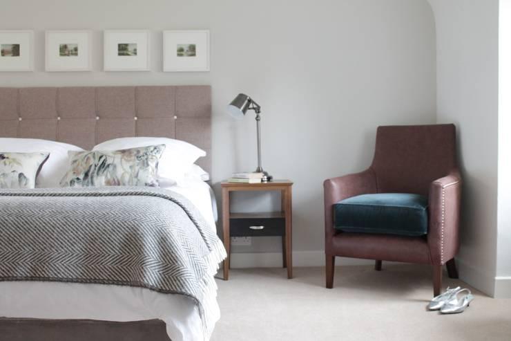 Dormitorios de estilo  por TurnPost