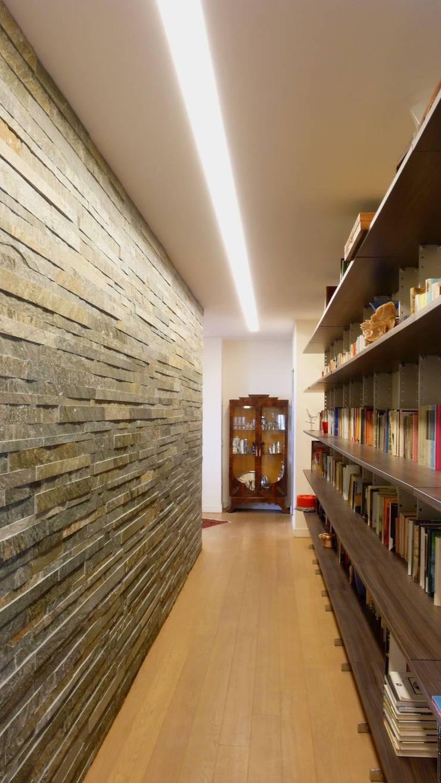 Appartamento Via Aniello- Falcone: Case in stile  di Gnosis Architettura Società Cooperativa