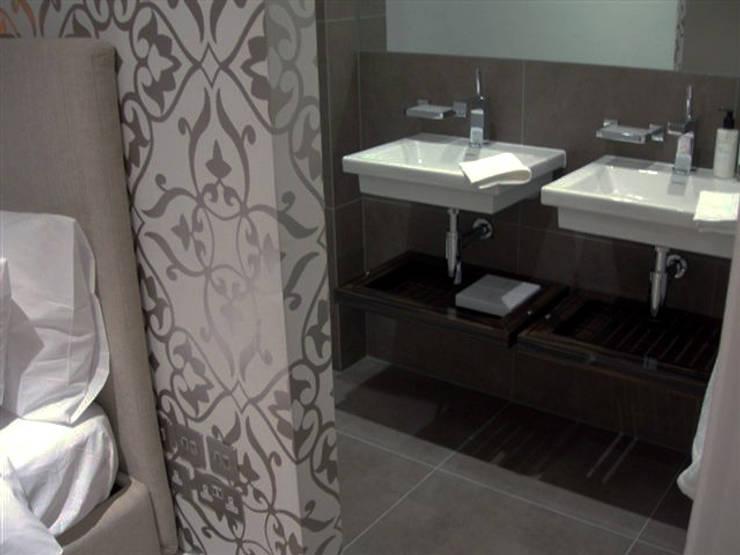 PROJECT - London's Kensongton:  Bathroom by Anna Hansson Design