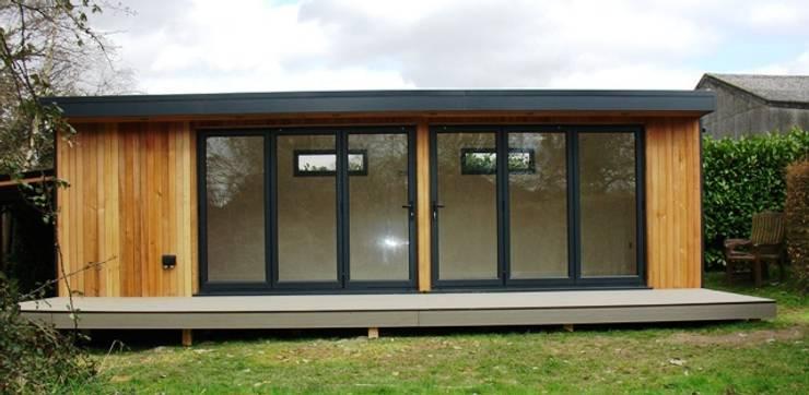 Garden by eDEN Garden Rooms Ltd, Modern