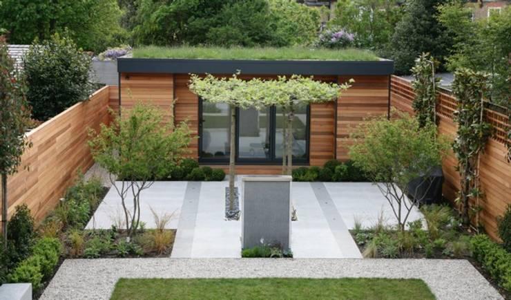 Lyford Road:  Garden by eDEN Garden Rooms Ltd