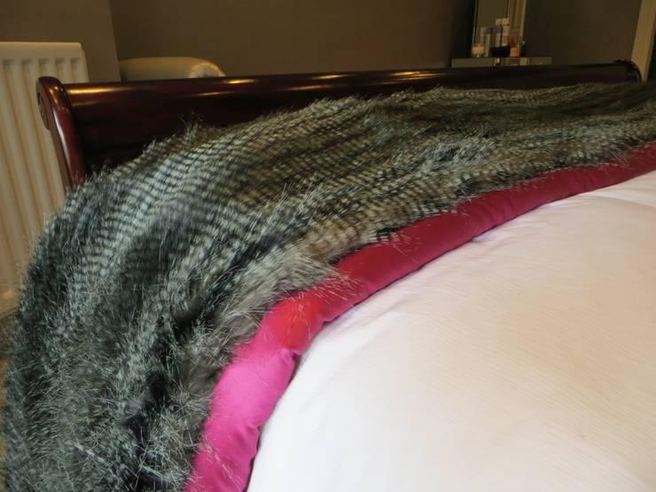 Bedroom:   by Gayfield Design
