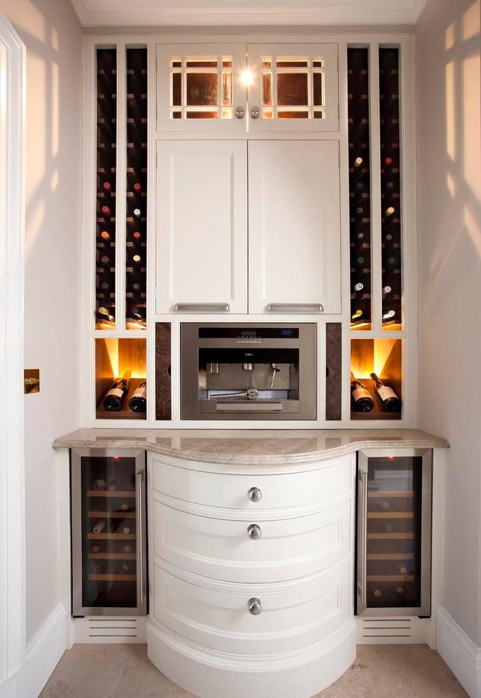 Elegance:  Kitchen by Designer Kitchen by Morgan