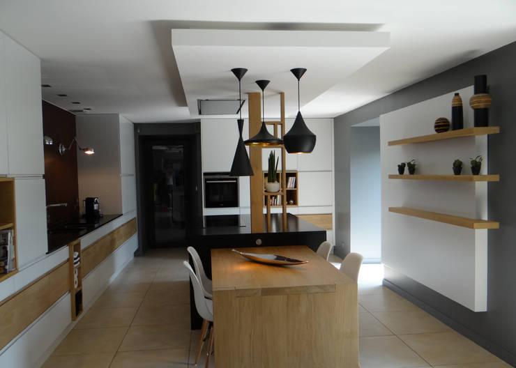 Кухни в . Автор – UN AMOUR DE MAISON