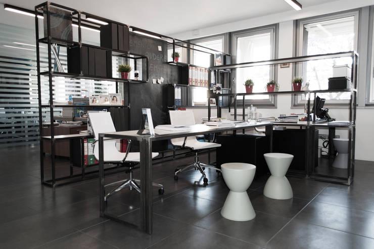 Study/office by SOA Spazio Oltre l'Architettura