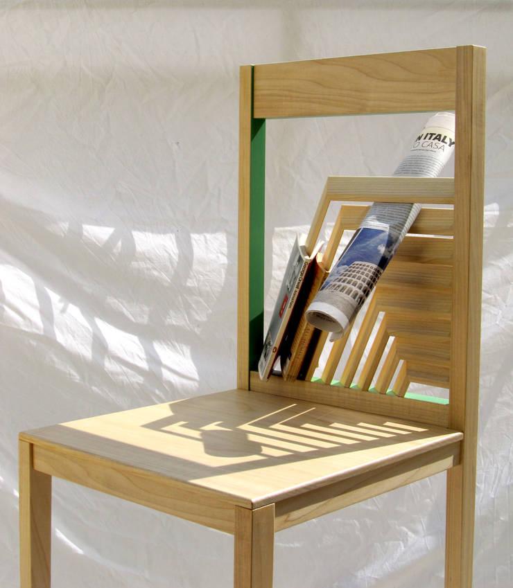 Narcissus Chair: Soggiorno in stile  di KIMXGENSAPA