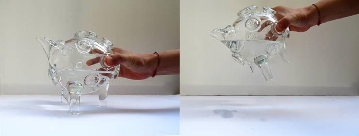 Apollo 14 Crystal Bottle - usage: Cucina in stile  di KIMXGENSAPA