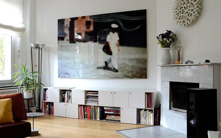 Sideboard für Bücher:  Wohnzimmer von stocubo - Das modulare Regalsystem,Modern