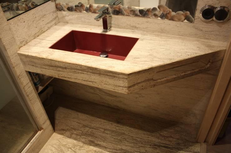 BAÑO: Baños de estilo  de ASESOR DEL MARMOL