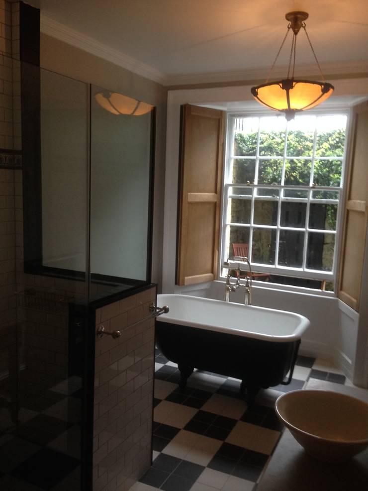 Great King Street:  Bathroom by Serenity Bathrooms