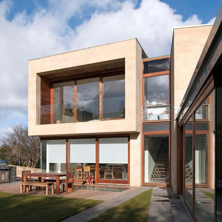 New villa in West Edinburgh - Rear elevation: modern Houses by ZONE Architects