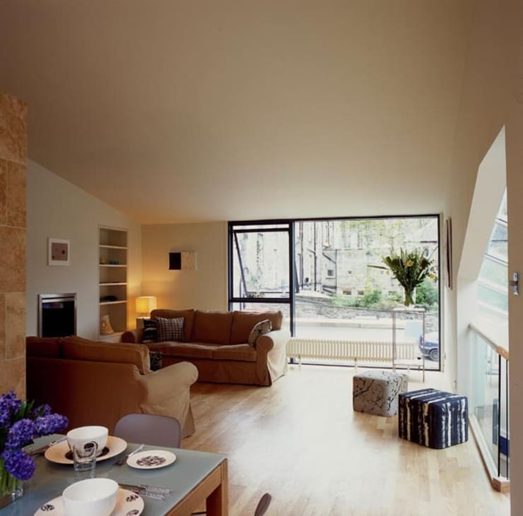 Hart Street House - living room:  Houses by ZONE Architects