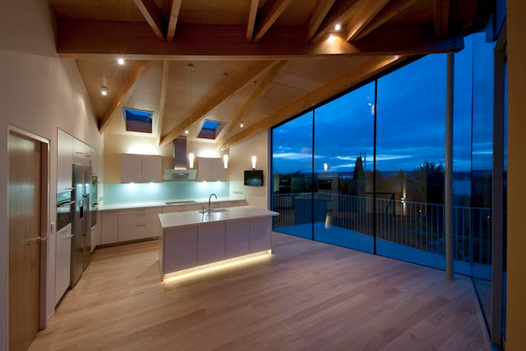 South Queensferry - kitchen:  Houses by ZONE Architects