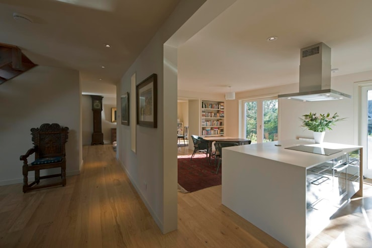 St Andrews - hallway:  Houses by ZONE Architects