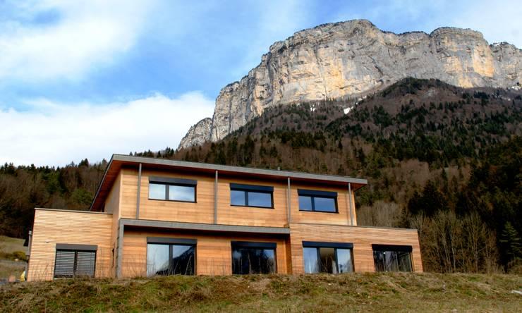 Maison ossature bois passive : Maisons de style  par AMEO Construction