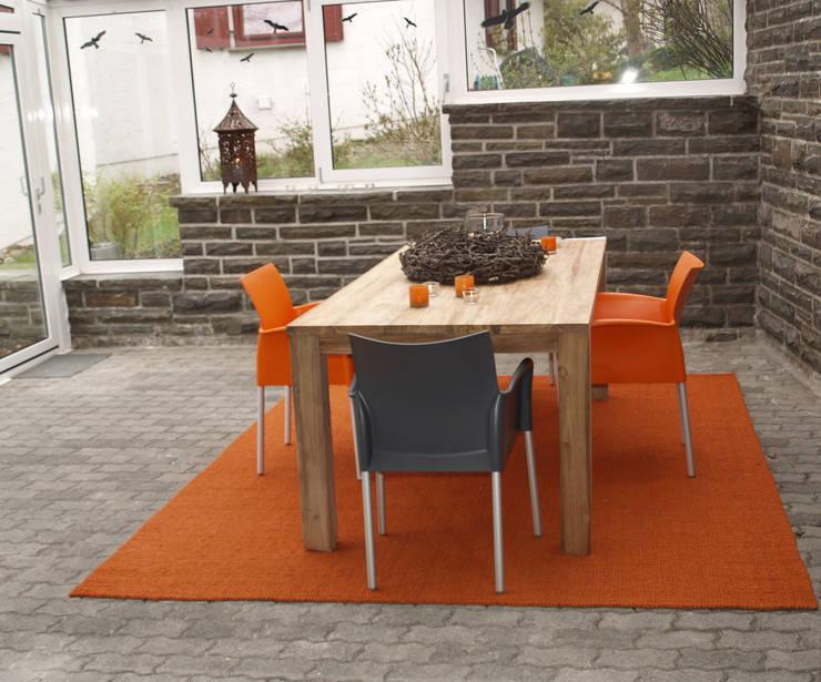 Exclusives Einfamilienhaus in Geisweid:  Terrasse von Raumpraesenz-Homestaging