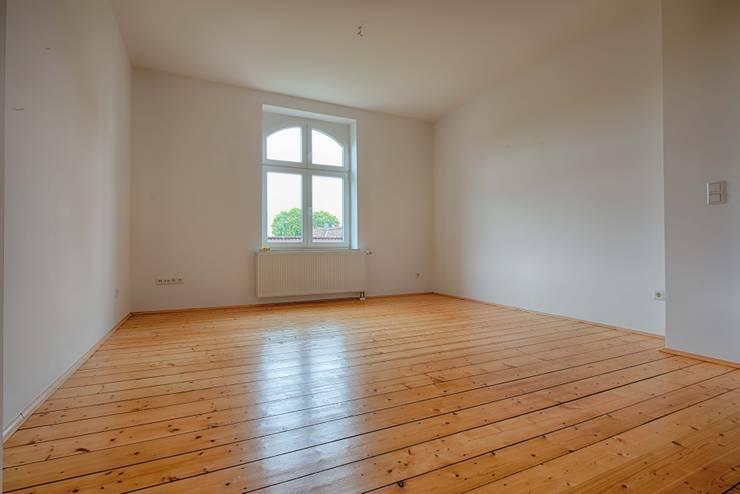 Zechenhaus Bochum Kirchviertel:  Wohnzimmer von HOMEstaging-RUHR,Ausgefallen