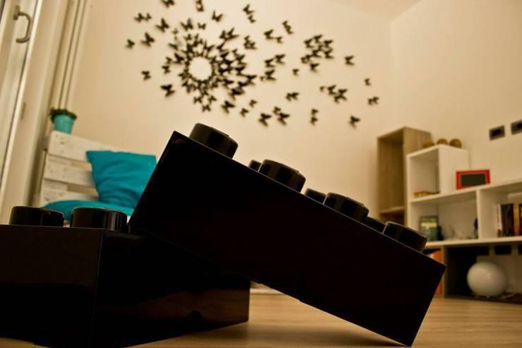 l.o.f.t.: Ingresso & Corridoio in stile  di deltastudio