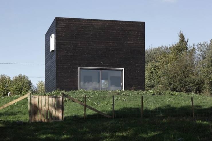Maison en Normandie:  de style  par BECKMANN N'THÉPÉ ARCHITECTES