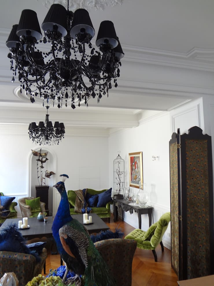 Hotel particulier rénové: Salon de style  par KJBI DECO
