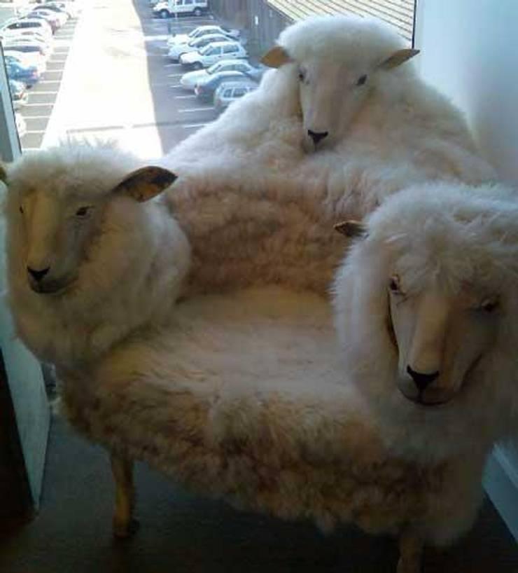 Fauteuil Moutons: Salon de style  par Scenes d'interieuR