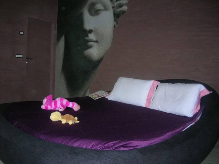 Abitazione cliente privato: Camera da letto in stile  di Studio MP