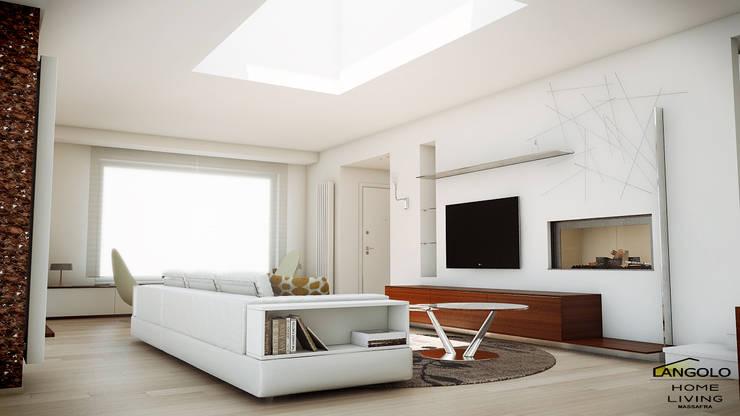 Living minimal style : Soggiorno in stile in stile Scandinavo di LANGOLO HOME LIVING