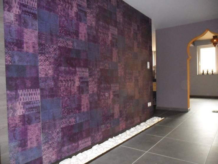 Couloir des salles de soins: Espaces commerciaux de style  par SoDa créations pétillantes, Éclectique