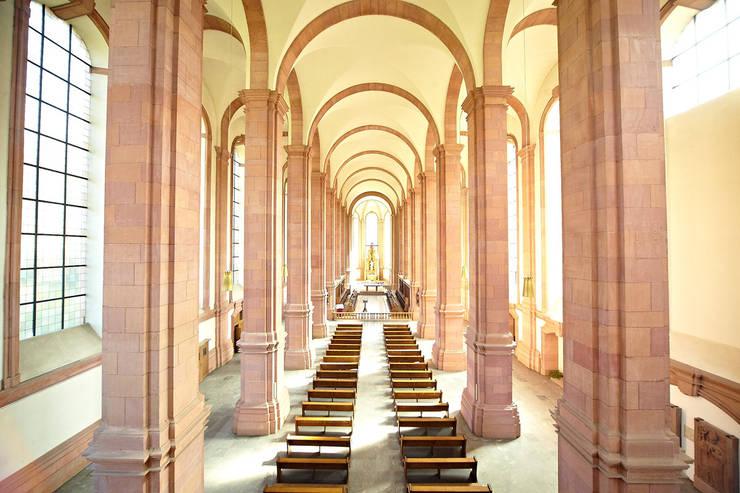 Sanierung Abteikirche Kloster Himmerod:  Veranstaltungsorte von BERDI ARCHITEKTEN,Klassisch