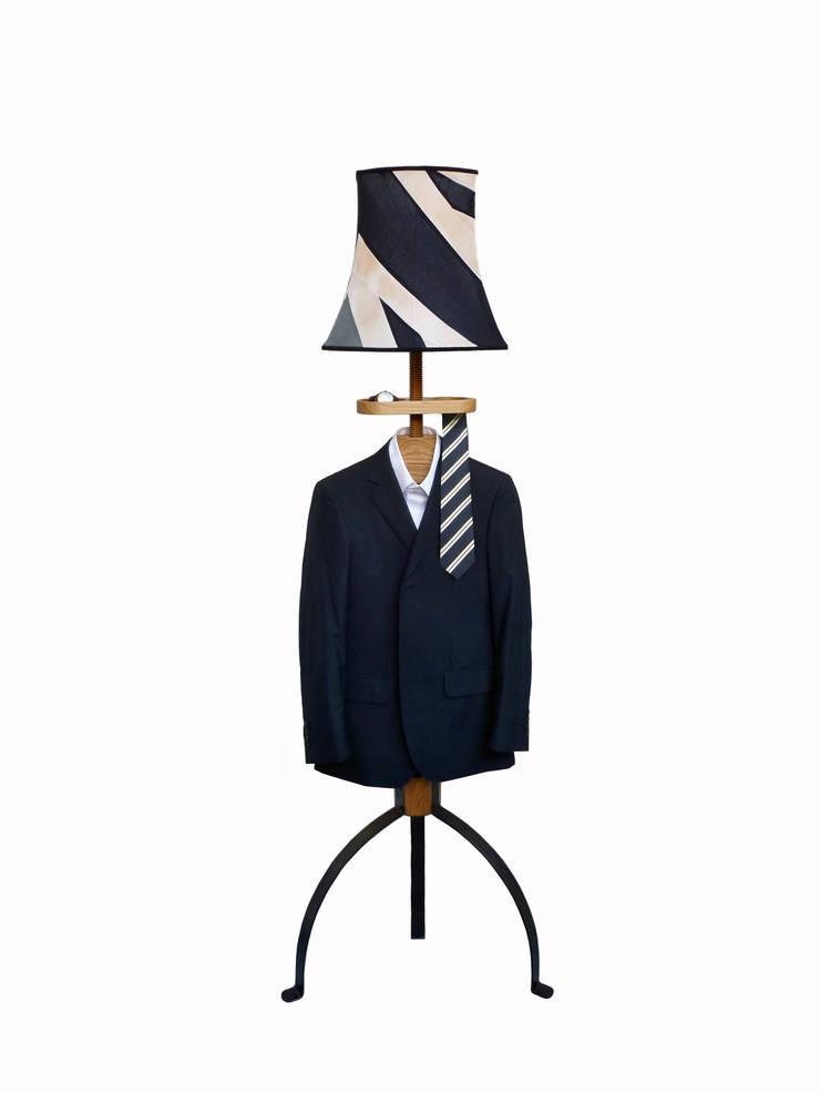 Standard Lamp Valet in oak:  Dressing room by Gentleman's Valet Company