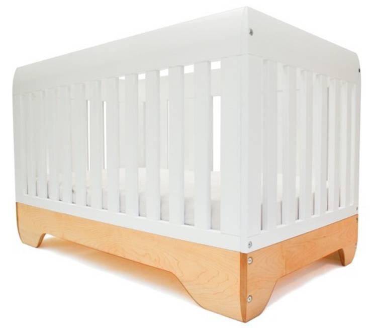 KALON Studios Echo Crib Babybett 70x140cm:  Kinderzimmer von KIND DER STADT,