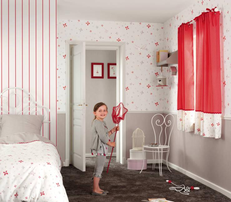 Casadeco Kindertapeten und Stoffe Jules et Julie: klassische Kinderzimmer von Fantasyroom-Wohnträume für Kinder