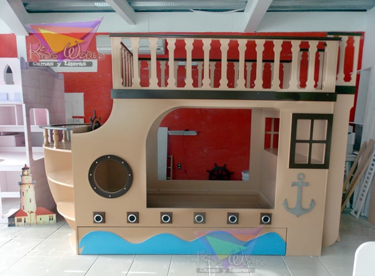 Litera triple de barco: Habitaciones infantiles de estilo  por camas y literas infantiles kids world