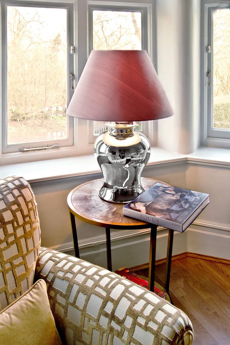 London Apartment—Hampstead:  Living room by Eliska Design Associates Ltd.