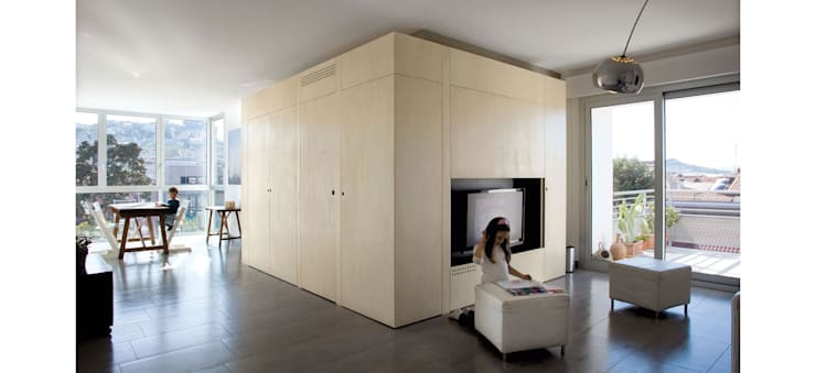 Palazzina residenziale V : Soggiorno in stile  di Studio Zero85, Moderno