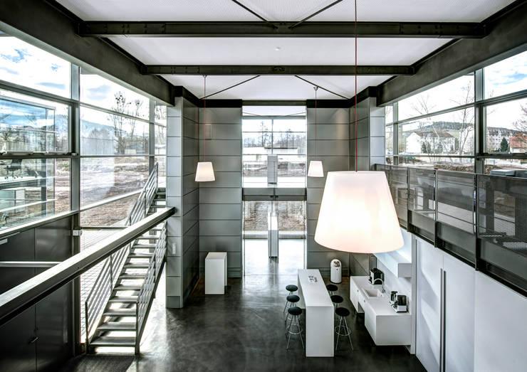 Sichtbeton Treppe Blockstufen: modern  von Harr Betondesign,Modern