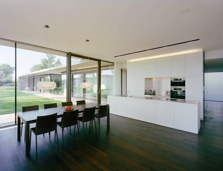 Кухни в . Автор – Dietrich | Untertrifaller Architekten ZT GmbH
