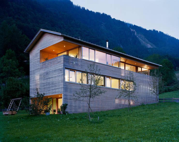 Casas  por Dietrich | Untertrifaller Architekten ZT GmbH ,
