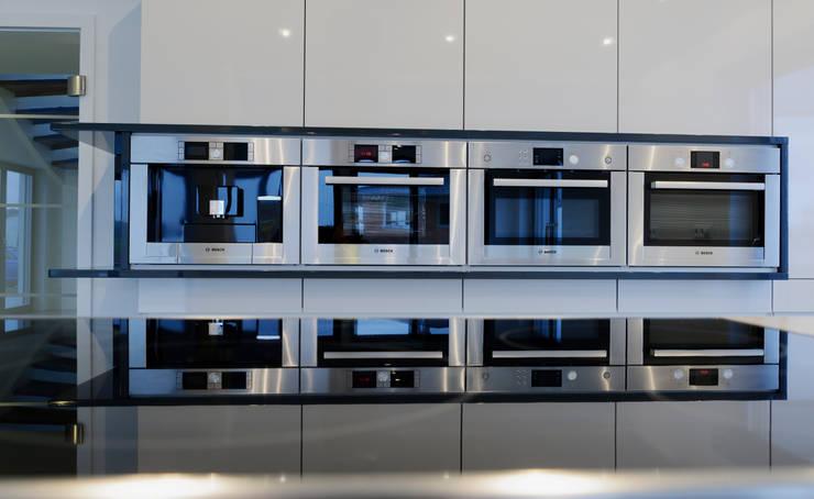 Casas de estilo  de Bosch Thermotechnik GmbH, Moderno