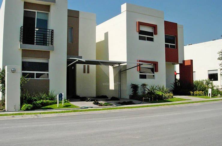 Modelo Arco: Casas de estilo  por Velarium Shadeports