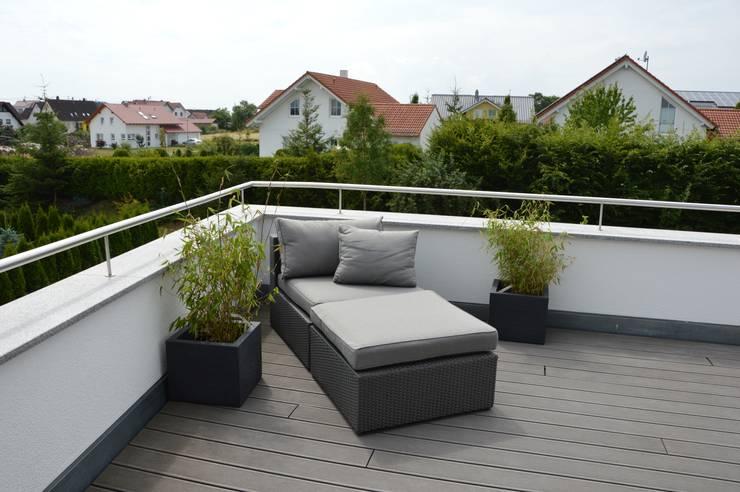 Einfamilienhaus in Aalen:  Terrasse von Architekturbüro Kais und Kais GmbH